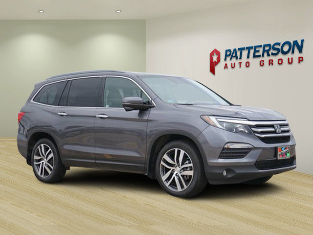Pre Owned 2017 Honda Pilot Touring One Onwer Clean